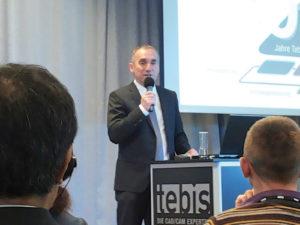 Bernhard Rindfleisch, fondatore di Tebis durante il suo intervento in occasione dell'Anniversary open house organizzata dall'azienda a metà maggio nella sede centrale di Martinsried alle porte di Monaco di Baviera per festeggiare i suoi primi 30 anni.