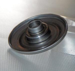 Supporto ruota prodotto dall'azienda AVO, specializzata in ruote e supporti, con uno stampo progettato e prodotto dalla CSTI