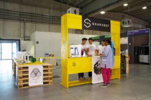 Molto apprezzate le stampanti di Sharebot, altra società recentemente fondata da tre giovani imprenditori per sviluppare e vendere stampanti 3D facili da usare e di buona qualità
