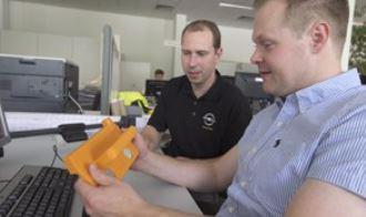 Con la stampa 3D Stratasys, le eventuali iterazioni di progettazione sugli strumenti di produzione possono essere eseguite in poche ore, eliminando la necessità di costose iterazioni più avanti nel processo di produzione