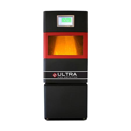 La proposta industriale di Galassia 3D si basa soprattutto su macchine Envisiontec con tecnologia 3SP (Scan, Spin and Selective Photocure) o DLP (Digital Light Processing). Nella foto il modello Ultra basata su 3SP.