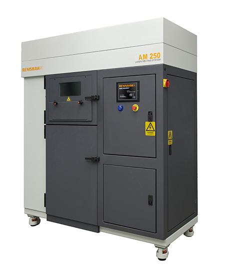 Il sistema di stampa AM250 di Renishaw crea oggetti in 3D fondendo polveri metalliche di acciaio Maraging mediante un raggio laser.