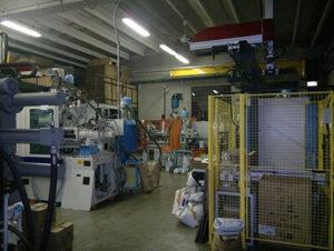 Officina Merlin di Saronno esegue al proprio interno tutto il ciclo produttivo, dalla progettazione stampo allo stampaggio di lotti che possono tranquillamente superare i 100mila pezzi.