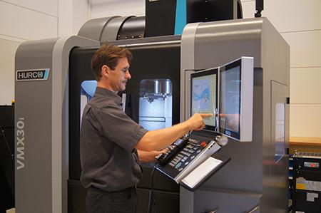 La gestione dei processi sulla VCX600i è affidata al nuovo WinMax 5, ultima versione del controllo numerico proprietario Hurco.