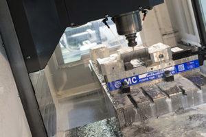 La macchina Haas è precisa ed affidabile, in quanto si possono ottenere delle superfici della massima qualità possibile su stampi in acciaio che saranno utilizzati per venti o quaranta anni