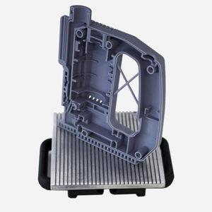 Parte di un trapano eseguita in stereolitografiacon la stampante Digitalwax 030X dell'aziendaitaliana DWS. È adatta per modelli concettualidedicati a prove di ergonomia e assemblaggio.