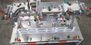 Calibro di controllo della plancia di un'autovettura.