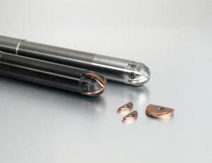 Fig. 4 - ABP4F di MMC Hitachi Tool è una fresa adatta per semifinitura e finitura in grado di sopportare elevati avanzamenti grazie alla nuova tecnologia a 4 taglienti che garantisce una velocità di avanzamento doppia rispetto a una normale fresa sferica a due taglienti.