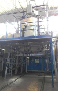 Forno verticale sottovuoto presso gli stabilimenti di Nerviano (MI) di TTN S.p.A.