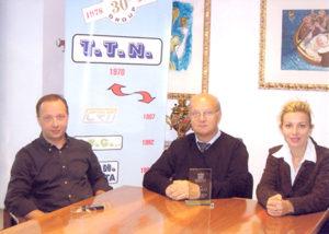 Il fondatore della TTN, Ernesto Pirovano, con i figli Marco ed Elisabetta.