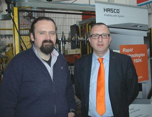 (da sinistra) Flavio Bocchi, titolare di iMold di Parma, insieme a Giovanni Battista Marni, responsabile vendite Italia di Hasco Hasenclever GmbH + Co KG.