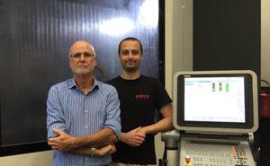 (da sinistra) Ruggero Pederzoli, fondatore e titolare di Meccanica Pi.Erre, insieme al figlio Marco, Technical & Production Manager.