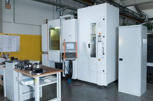 Il centro di lavoro Mikron HPM 800U viene impiegato da BVA per soddisfare diverse esigenze operative, dalla sgrossatura pesante ai lavori di finitura e precisione.