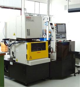 La macchina d'elettroerosione a filo Fanuc Robocut Alpha-C400iA.